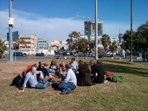 Meeting in Levinsky Park in the middle of Tel Aviv. Photo: HK