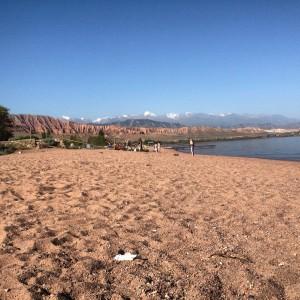 Am Ufer des Issyk-Kul