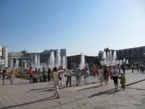 Der zentrale Ala-Too-Platz in Bischkek