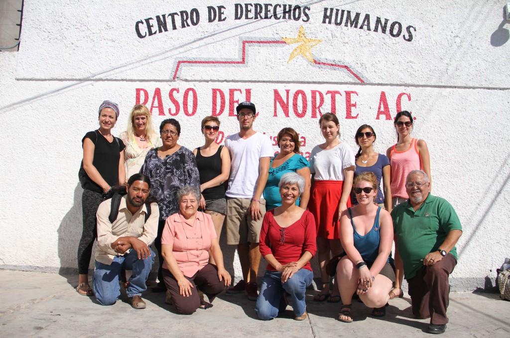 Gruppenfoto mit den Mitarbeiterinnen und Mitarbeitern